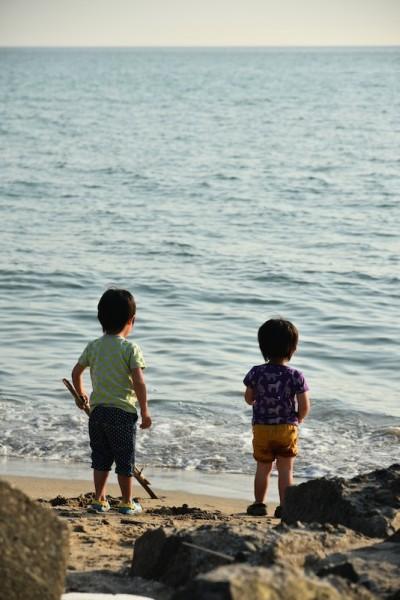 世界一長いベンチ付近の浜辺