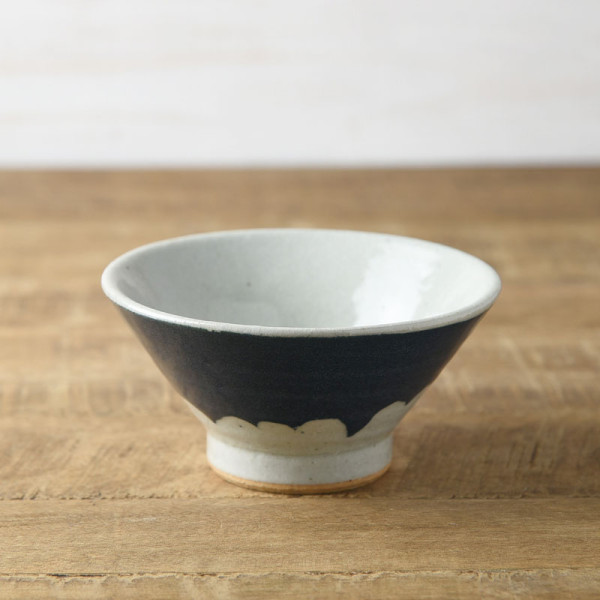 手しごと 13cm富士山型茶碗 あい 富士山