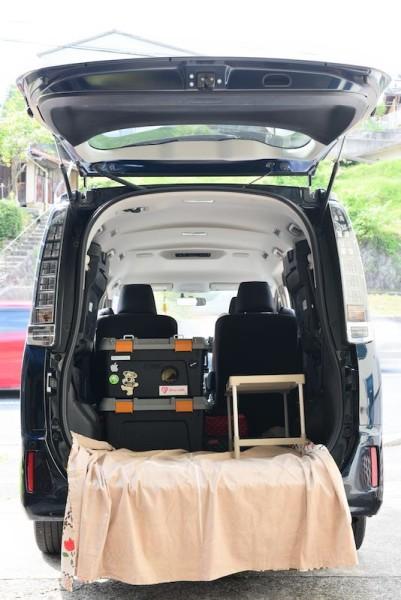 道具箱と押入れ収納棚を積載