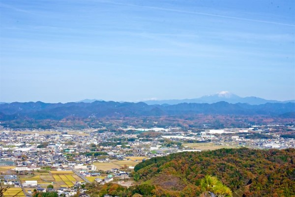 遠くに見える御嶽山