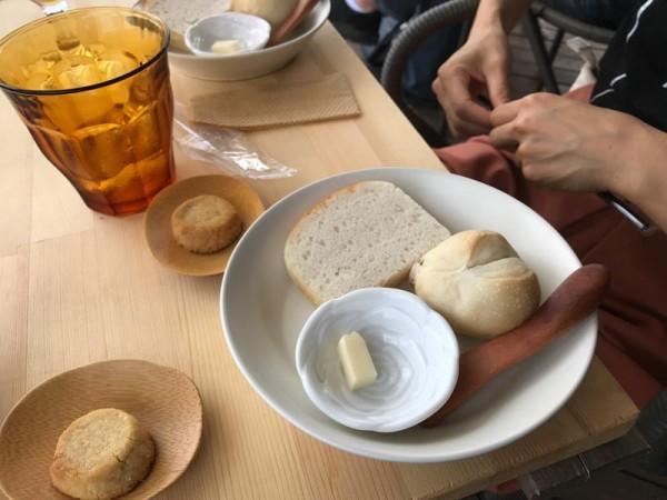 パンもお願いした