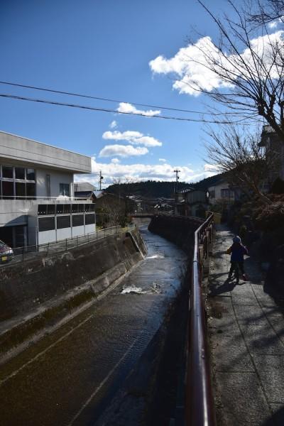 明智川沿いのウォーキングコース