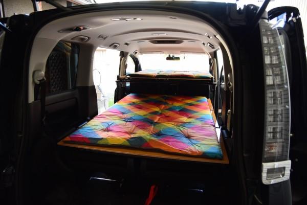 車中泊2段ベッドです
