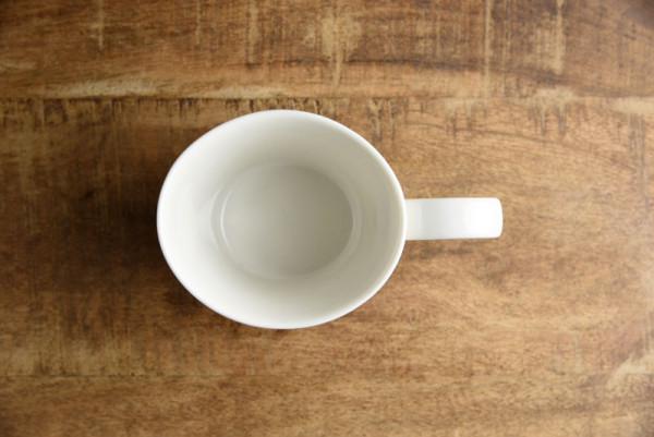 オーバル型のマグカップです