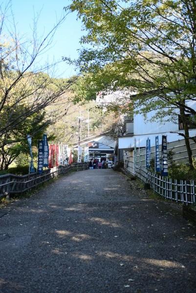 金華山ロープウェーの入口付近