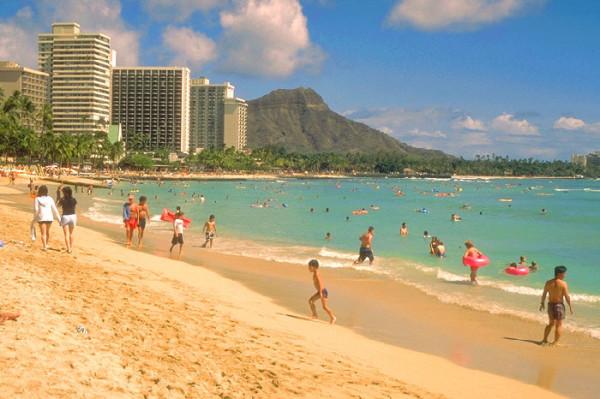 ハワイ オアフ島のワイキキビーチ