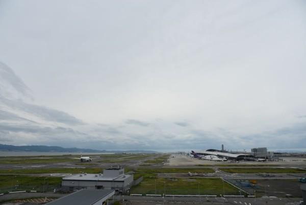展望フロアから望む関西国際空港