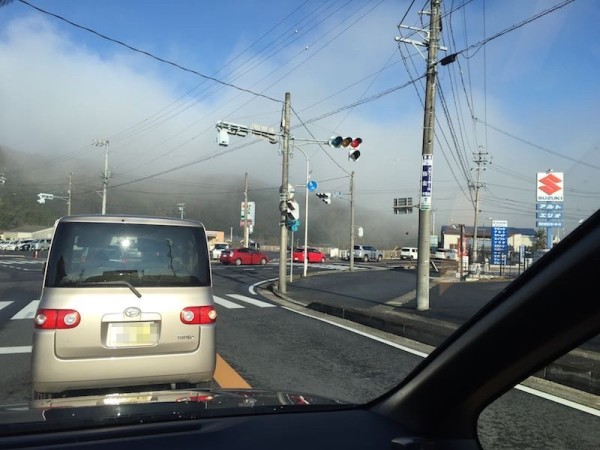 普段は絶対渋滞しないけどオークワ渋滞中の稲津町