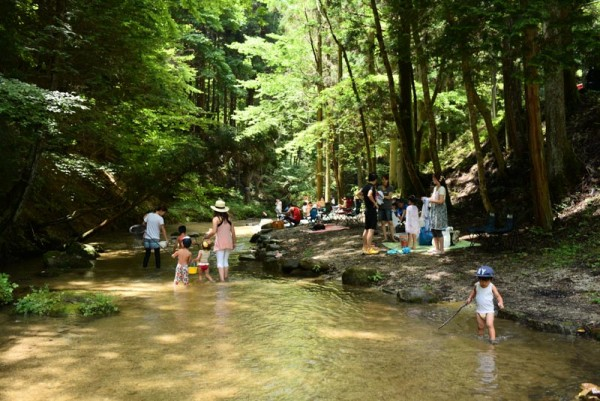 こちらは山岡町 寿老の滝ですけど